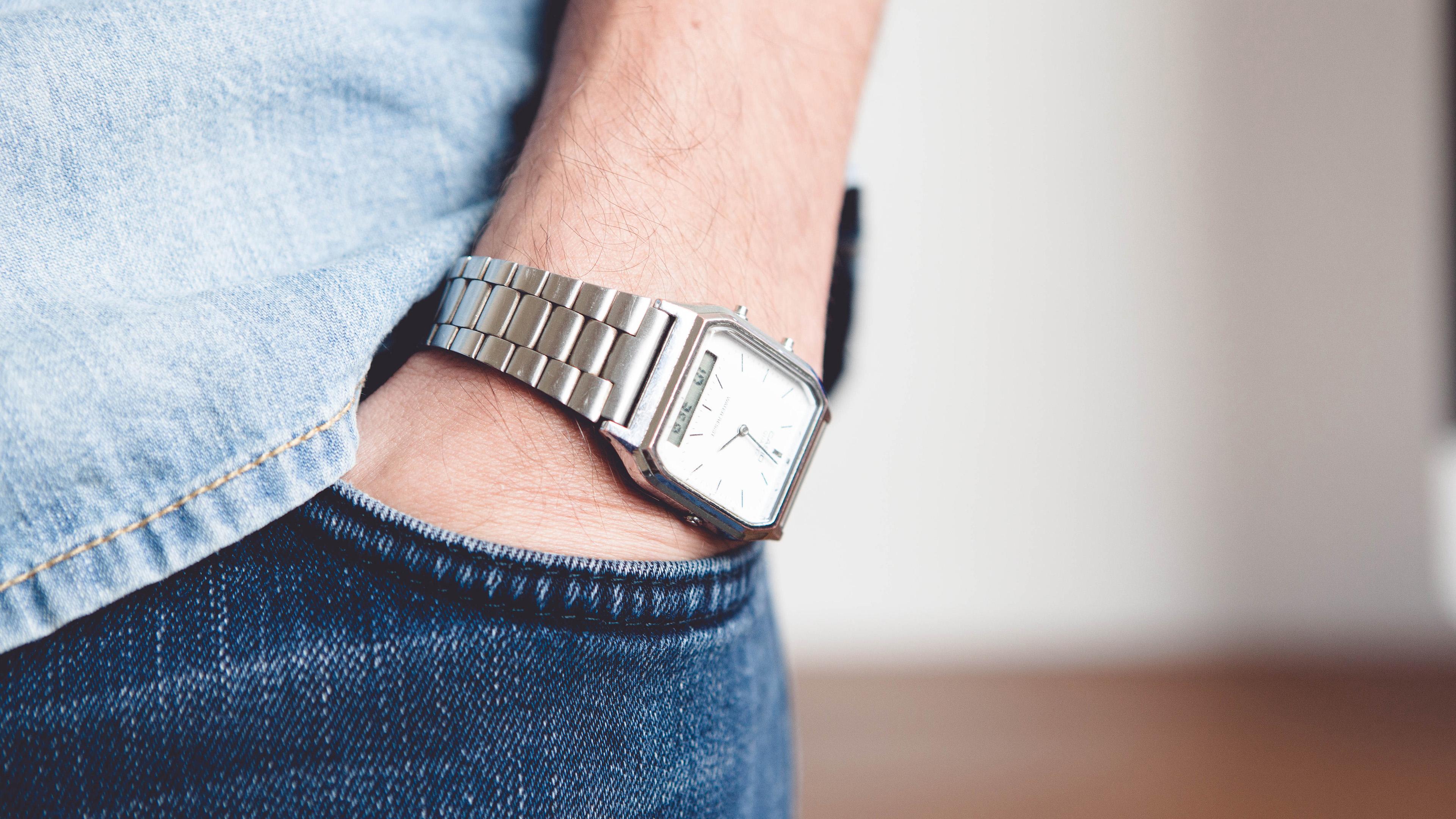 Designer Florian Kochinke; Uhr; Kontakt; Fotograf