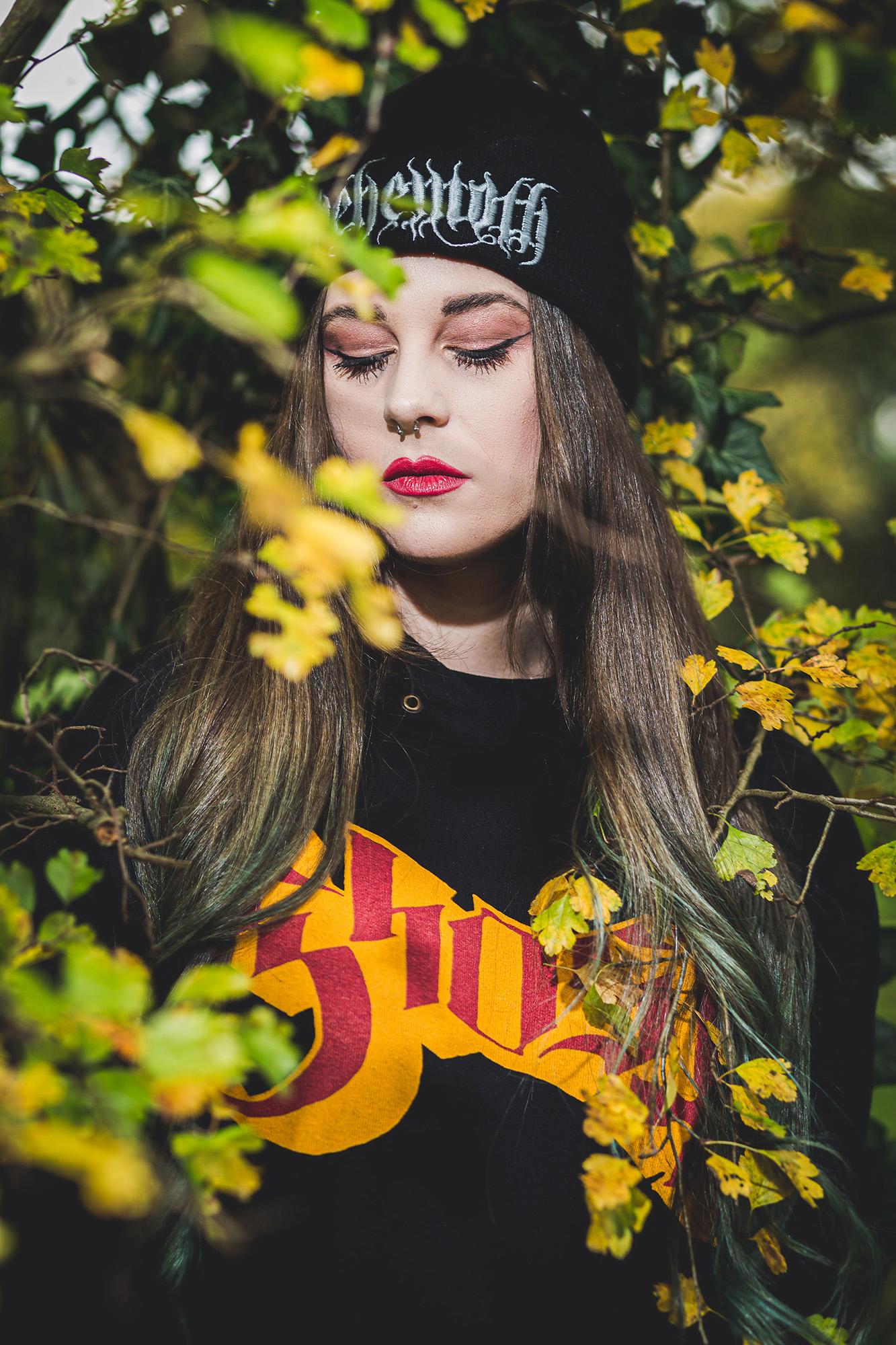 Model; Shooting; Fashion; Merch; Band; Bandwear; Urban Style; EMP